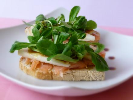 crostini-al-salmone-e-pera2